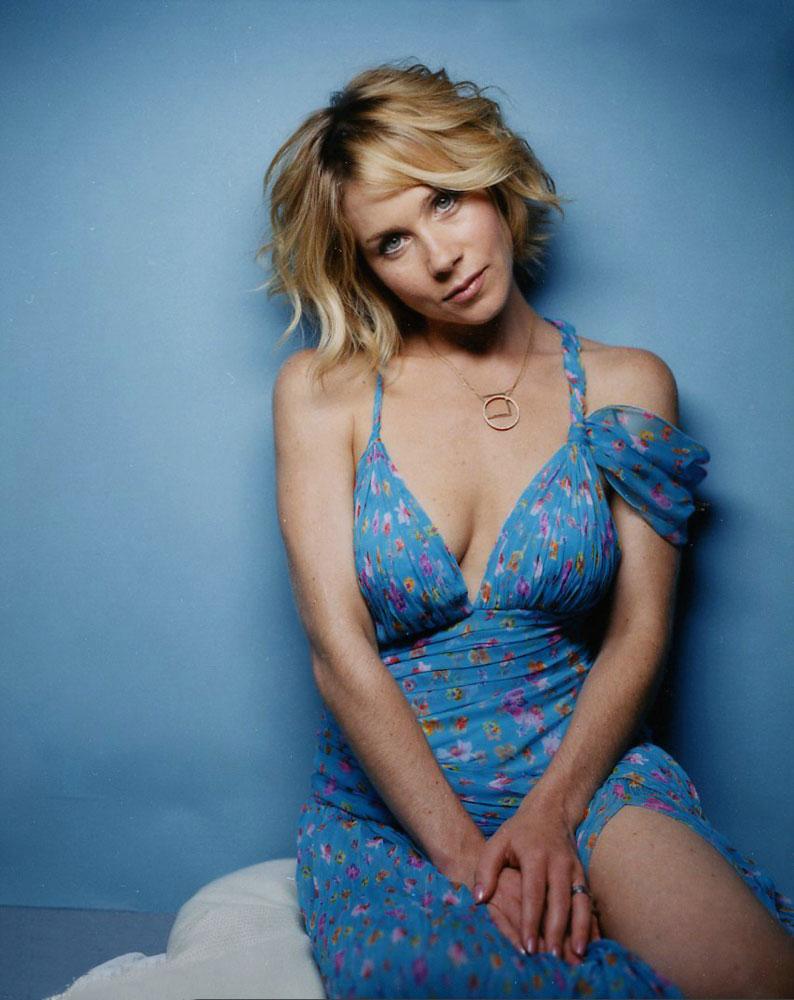 Christina Applegate hot