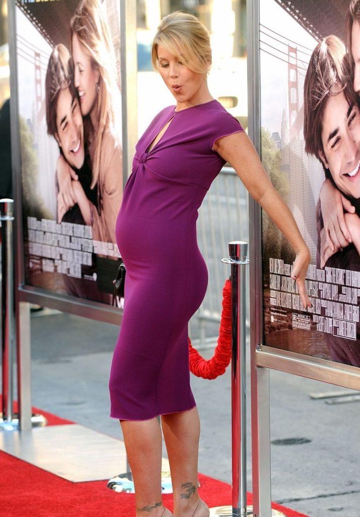 Christina Applegate hot n sexy photos